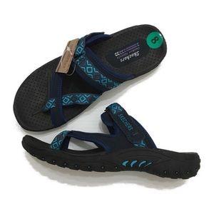 NWT Sketchers Reggae trailway confort sandals